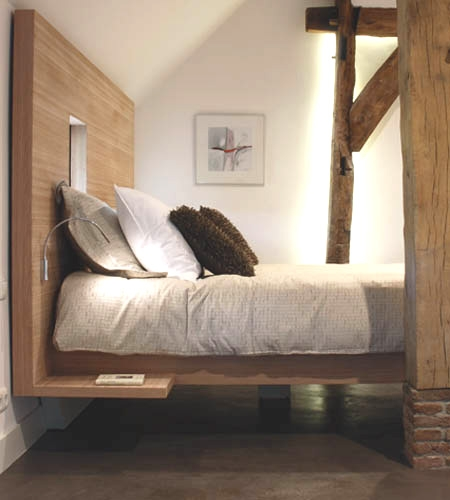 Plexwood® B&B hotel 'De Vijf Suites' bed frame of interlaminar ocoumé ply end veneer composite