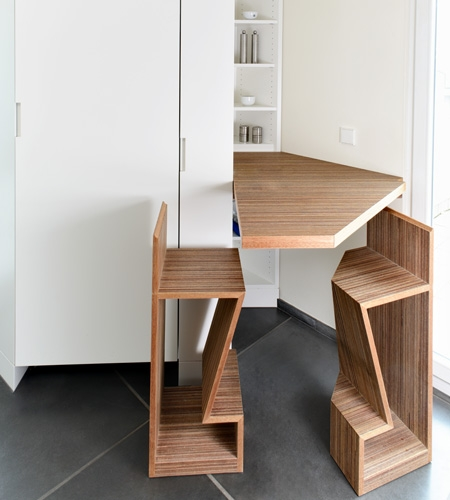 Plexwood® Private home kitchen bespoke opened extended table-top and matching chairs for a small space