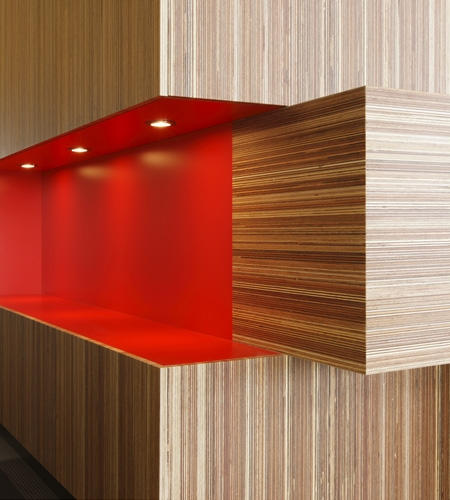 Plexwood® Rutges reception detail in meranti short grain and long grain plywood top veneer panels