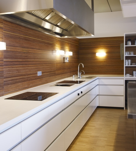 Plexwood® Rutges kitchen back wall in professional meranti re-stacked vertical veneer ply paneling