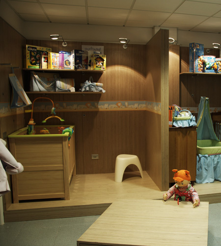 Plexwood® Ta Ti Top concept baby room floor, table and wall in birch turned veneer plywood