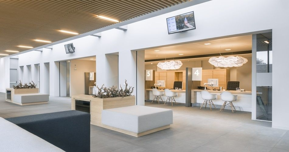 Plexwood® City hall of Montferland Didam public services booths and waiting area in the main entrance hall