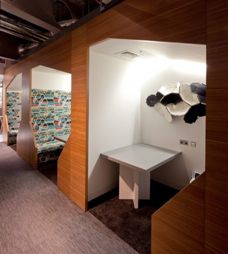 Plexwood® CBRE Global Investors built-in seats wall cladding in ocoumé reverse laminated plywood