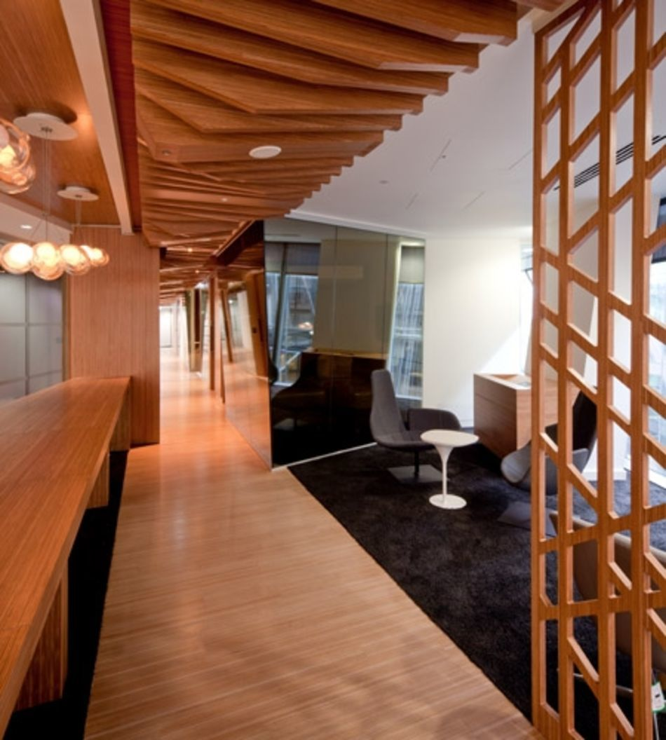 Plexwood® CBRE Global Investors floor and relief ceiling detail in ocoumé returned sandwich composite veneer