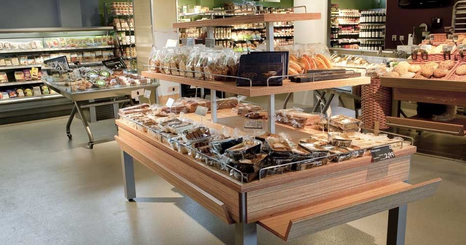 Plexwood® EkoPlaza food displays made with pine/ocoumé bio organic short edge plywood veneer products