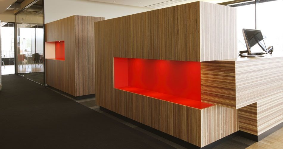 Plexwood® Rutges entrance reception overview in meranti re-glued and pressed plywood surface veneers