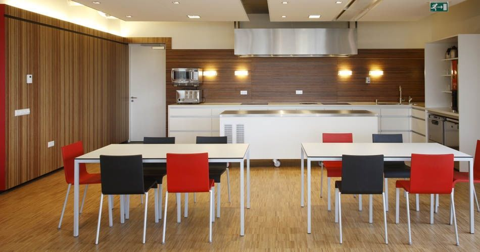 Plexwood® Rutges kitchen back wall and canteen interior wall cladding in meranti edge-grain veneer paneling